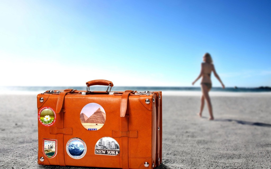 Club MAC Alcudia suitcase
