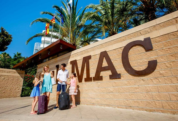 Club MAC booking a holiday