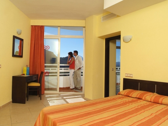 Club Mac | Rooms